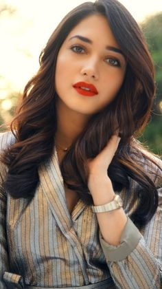 Industry Experts Give You The Best Beauty Tips Ever – Lazy Days Beauty South Actress, South Indian Actress, Most Beautiful Indian Actress, Beautiful Actresses, Best Beauty Tips, Beauty Hacks, Tamanna Hot Images, Photos Hd, Photoshoot Images