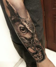 50 of the most beautiful owl tattoo designs and their meanin Forarm Tattoos, Body Art Tattoos, Sleeve Tattoos, Leg Tattoos, Tattoo For Son, Leg Tattoo Men, Tattoos For Guys, Small Star Tattoos, Cute Small Tattoos
