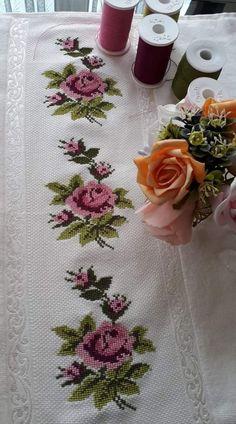 Cross Stitch Fruit, Cross Stitch Cards, Cross Stitch Borders, Cross Stitch Rose, Modern Cross Stitch Patterns, Cross Stitch Flowers, Cross Stitch Designs, Cross Stitching, Cross Stitch Embroidery