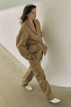 Cute Fashion, Fashion Looks, Cute Korean Boys, Runway Fashion, Womens Fashion, Student Fashion, Minimalist Fashion, Minimalist Style, Classic Style Women