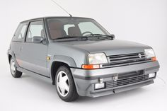 This 85K kilometer (~53K mile)  1991 Renault 5 GT Turbo comes from the second generation of Renault 5, and is powered by a turbocharged 1.4L inline-four. Often overshadowed by the earlier mid-engined Renault 5 Turbo, these front engine, front wheel drive cars are said to be nimble and feature a resp