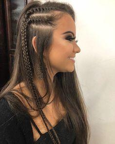 Coiffures tressées (Page Le modèle est l'un des points les plus importants pour vos cheveux. Long Face Hairstyles, Braided Hairstyles, Wedding Hairstyles, Summer Hairstyles, Long Curly Hair, Curly Hair Styles, Side Braids For Long Hair, Concert Hairstyles, Hair Dos