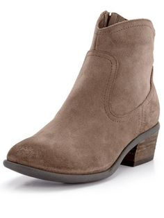 Clarks Moonlit Cool Leather Ankle Boots, http://www.littlewoodsireland.ie/clarks-moonlit-cool-leather-ankle-boots/1339703147.prd