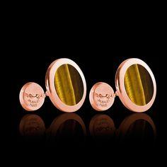 Boutons de manchette chevalière Ovalis Œil du Tigre en or rose. Disponible également en or jaune et en argent palladié #boutondemanchette #chevalière #Ovalis #OeilDuTigre #OrRose #BijouxHomme #surmesure #joaillerie @JaubaletParis