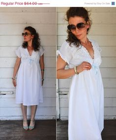 1 WEEK SALE 70s White Eyelet Dress // Empire by LaDeaDeiSogni, $54.40