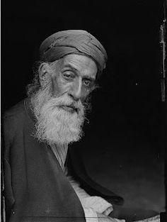 Samarian high priestYitzhak ben Amram   ben Shalma ben Tabia (circa 1900). View   other pictures of priest