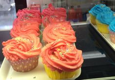 Spring is here !  Here is our yummy tasting cupcakes.