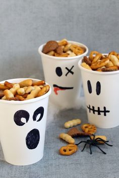 Ghost party cups/snack cups. HEALTHY HALLOWEEN TREATS and SNACKS. #halloweenparty #healthyhalloween #halloweentreats #snacks #funfood