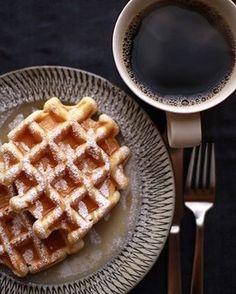 No te apetece un #cafe #americano con un #waffle de #cajeta ? Te esperamos para #desayunar en #delichurros #coapa