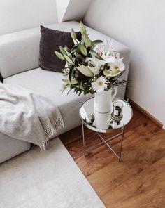 Sunday Lovin': New In This Week Hallway Carpet, Cozy Room, Staple Pieces, Interior Inspiration, Lancaster, Blanket, Interior Design, Cool Stuff, Retro