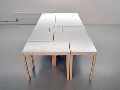 Amanda Karsberg, jeune suédoise designer nous présente 7Wonders, une table modulaire divisible en6 éléments distincts à agencer. Arc de cercle, décroché, courbes, lignes droites, un véritable jeu de Tetris s'offre à vous… Une modularité à toute épreuve, les tables pouvant même se superposer afin de former des étagères par exemple… [...]