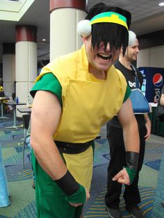 camasaurus: fullcosplay: COSPLAY: Male Toph / Avatar: the Last Airbender Ahhh, this is awesome! It looks just like the the Ember Island Players' Toph. Toph Cosplay, Epic Cosplay, Amazing Cosplay, Anime Cosplay, Avatar Aang, Avatar The Last Airbender, Team Avatar, Fire Nation, Cool Costumes