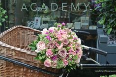 Lovely pink bouquet in bicycle basket - Flowers-&-Imagination-Book- Royal Ballet School, Pink Bouquet, Table Arrangements, Covent Garden, Different Textures, All Flowers, Shabby Chic Decor, Flower Crown, Beautiful Images