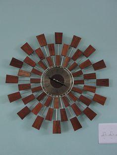 Stenska ura je tista, ki poskrbi, da je življenje vsaj delno organizirano. A ni le uporabna vrednost tista, zaradi katere kupujemo ure za na steno. Nekatere med njimi so prave umetnine! http://www.ducat.si/dom-vrt/stenske-ure.html #ducat #outletthttp://www.ducat.si/lepota-in-zdravje/rocne-ure.html #outletducat