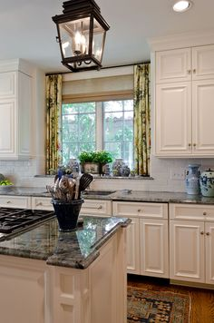 Terrell Hills Classic Traditional - Kitchen - Audrey Curl