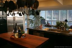 #Kitchen Idea of the Day: Modern Black Kitchens. Excellent, black island