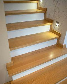 Trochę wiedzy:) Elementy rozdzielające biegi schodów, ale także znajdujące się przed początkiem schodów nazywane są podestami lub spocznikami. Kto z Was o tym wiedział;)? #schodymika #schody #schodydrewniane #stairs #produktydrewniane #produktyzdrewna