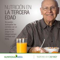 Se pueden acompañar las comidas con un poco de pan (mejor si es integral porque contiene más fibra). http://nutritionalmedia.com/nutricion-en-la-tercera-edad-2/