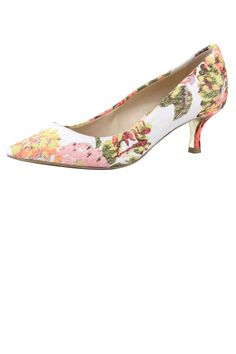 "Stella McCartney Floral Jacquard Kitten-Heel Pump, $510; target=""new"">bergdorfgoodman.com Courtesy of Bergdorf Goodman - ELLE.com"