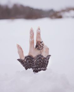 she was buried alive in the snow. she extended her hand out of the snow as she tries to grasp her last breathe. Story Inspiration, Writing Inspiration, Character Inspiration, Snow Queen, Ice Queen, Half Elf, Jm Barrie, Crimson Peak, Fotografia Macro