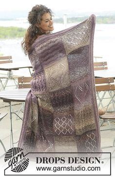 """Heart& Desire / DROPS - Free knitting patterns by DROPS Design - Knitted DROPS blanket in """"Delight"""" and """"Alpaca"""" with squares in different structures. Knitting Patterns Free, Free Knitting, Free Pattern, Crochet Patterns, Knitting Squares, Crochet Ideas, Drops Design, Knitted Afghans, Knitted Blankets"""