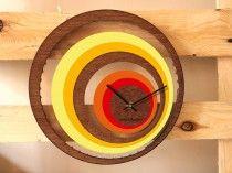 bois et plexi, fait main en France Illusion clock; hand made in wood and plexi Clock Ideas, Plexus Products, Illusion, Clocks, France, Wood, How To Make, Handmade, Home Decor