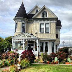 victorian houses tumblr | Victorian #Victorian Houses #Victorian Inn