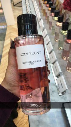 Perfume Scents, Perfume Bottles, Parfum Rose, Parfum Dior, Perfume Organization, Bath And Body Works Perfume, Best Perfume, Perfume Collection, Body Mist