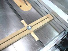 Rip Fence Reminder / Localisateur pour guide parallèle | Atelier du Bricoleur (menuiserie)…..…… Woodworking Hobbyist's Workshop