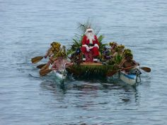 Santa Claus finally got to Tahiti. French Polynesia | Санта Клаус нарешті добрався і до Таїті. Французька Полінезія.