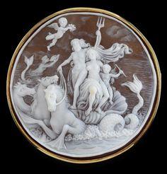 Shell cameo brooch. the sea god Neptune, 14k gold, handwork, 46.4 g