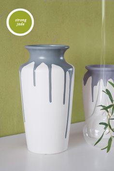 Gooi je oude vazen niet weg, maar geef ze een nieuw laagje verf van de restjes die je nog hebt staan.
