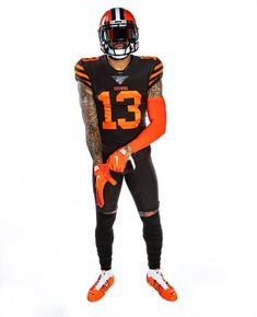 Nfl Football Players, Pittsburgh Steelers Football, Browns Football, Football Helmets, Football Art, Nba Players, College Football, Odell Beckham Jr Catch, American Football Cleats