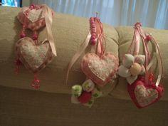 chaveiros de coração por Flor de Algodão