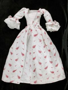 Category Costume Date	1740 - 1760 Materials Cotton, muslin and linen- Gown  National Trust Inventory Number 814614.11