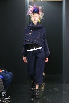 トリコ・コム デ ギャルソン(tricot COMME des GARÇONS) 2013-14年秋冬コレクション Gallery13