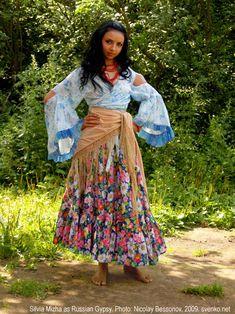 Gypsy girl's clothes, Romani native costume.