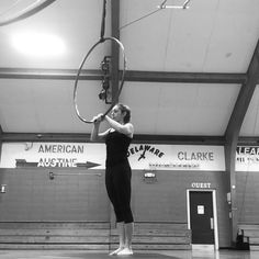 Lion in the tree rolls with elbow hook Lyra Aerial, Aerial Hoop, Aerial Arts, Aerial Silks, Flying Lessons, Circus Art, Contortion, Pole Fitness, Pole Dancing