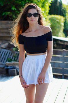 Cannes – Skater Skirt And 90?s Shirt