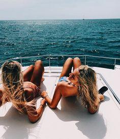 Boats and BFFs #Snackventure #InstagramIdeas