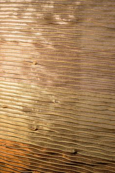 Handwoven metal textile in amazonian yaré fiber with copper, organic silk and gold silver plated metallic threads.   #Textiles #Fiber #Metal Metallic Thread, Hand Weaving, Fiber, Copper, Textiles, Organic, Silk, World, Nature