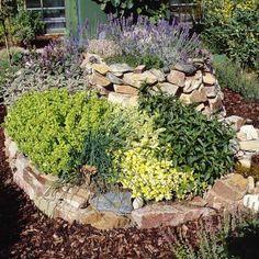 ▷ Kräuterspirale aus Stein - eine Bauanleitung - [LIVING AT HOME]