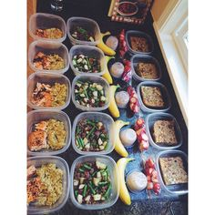Meal prep for the week is done which means I get to go outside and enjoy some of this beautiful sunshine! I will gladly trade an hour of sleep for and hour of daylight. Here's what's on the menu for the next 5 days: Breakfast: Egg, Isernios sausage & oatmeal baked casserole Morning Snack: Protein shake with unsweetened almond milk, banana and sliced strawberries Lunch: Ground beef cooked on the stovetop and seasoned with garlic salt and pepper, roasted red potatoes & steamed green beans…