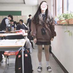 Kpop Fashion Outfits, Ulzzang Fashion, Korean Outfits, Ulzzang Girl, Cute Fashion, School Uniform Fashion, School Girl Outfit, Korean Aesthetic, Aesthetic Fashion