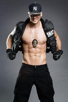 Stripper als S.W.A.T. Officer - David