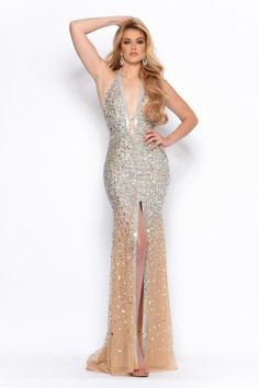 Amp up the drama factor and wear this dazzling Jasz Couture long dress style 6999 for your prom. Style 6999 showcases a plunging deep v neckline and a f. High Fashion Trends, Short Dresses, Prom Dresses, Beaded Dresses, Halter Gown, Halter Neck, Pageant Gowns, Perfect Prom Dress, Couture Dresses