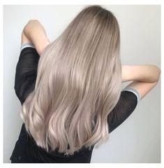 Blond Ash, Ash Blonde Hair Balayage, Beige Blonde Hair, Champagne Blonde Hair, Light Blonde Hair, Blonde Hair Looks, Light Hair, Blonde Shades, Cool Ash Blonde