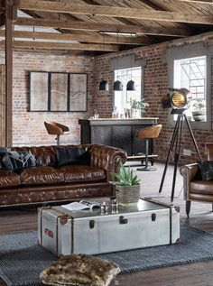 Urban Industrial Decor Tips From The Pros Have you been thinking about making changes to your home? Are you looking at hiring an interior designer to help you? Estilo Industrial Chic, Industrial House, Modern Industrial Decor, Loft Design, House Design, Salon Design, Design Design, Design Logo, Industrial Design Portfolio
