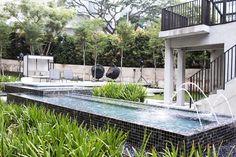 Travel with me: Lloyd's Inn, Singapore