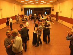 Cours de danse latine le cha-cha-cha Danse Latino, Conference Room, Yard, Meeting Rooms